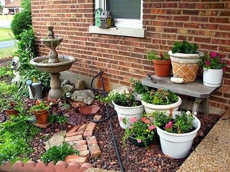 C mo aprovechar espacios peque os para armar un jard n Jardines verticales para patios pequenos