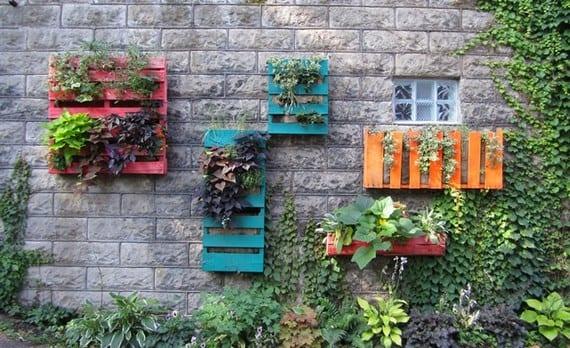 Pallets en jardín