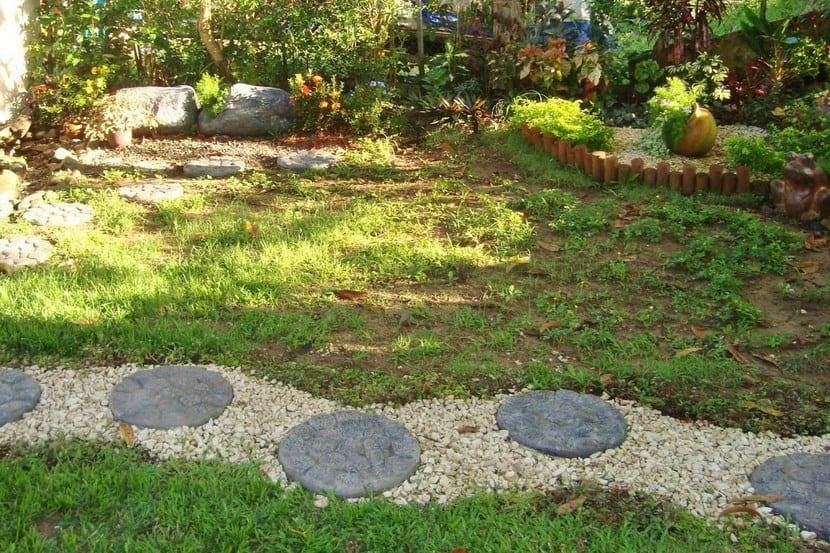 Sendero jardín
