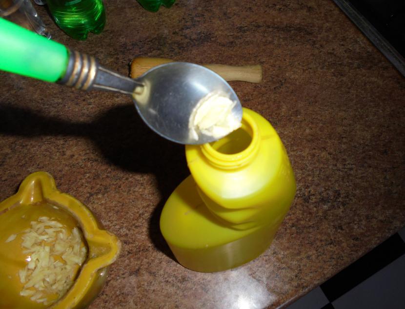 Echar ajos en pulverizador
