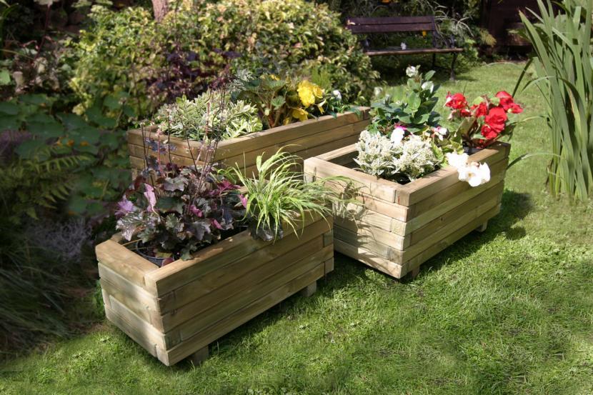 Qu plantar en una jardinera for Jardineras con bloques de hormigon