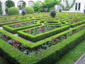 Jardín con setos