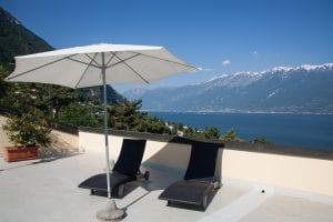 Sombrilla en terraza