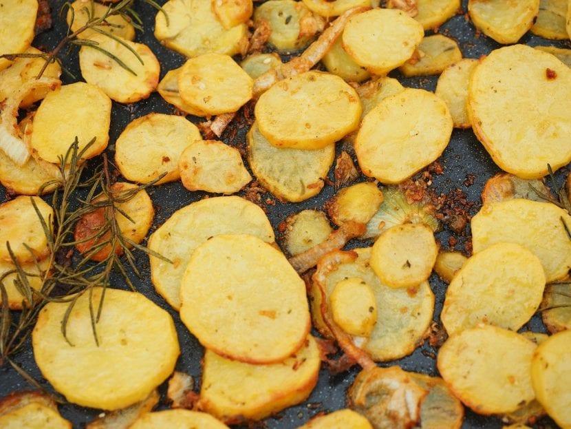 Utiliza las patatas agria para cocinarlas al horno