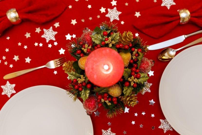 Centro de navidad con una vela