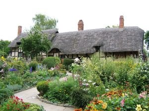 Vista de un jardín al estilo cottage