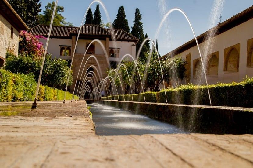 Llena tu jardin de vida gracias a estas fuentes de agua