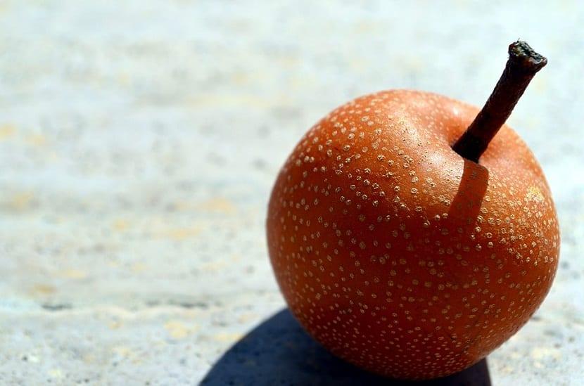 Aunque es llamada pera manzana, es una fruta que no es el resultado del cruce entre una pera y una manzana
