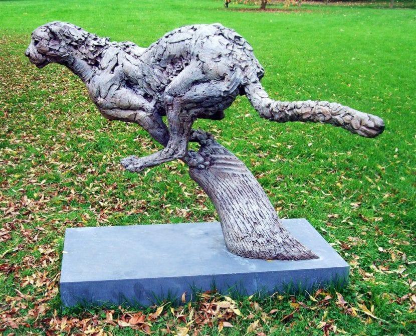 Una estatua de guepardo del Kew Gardens