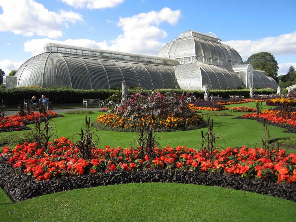 Los invernaderos de Kew son muy grandes
