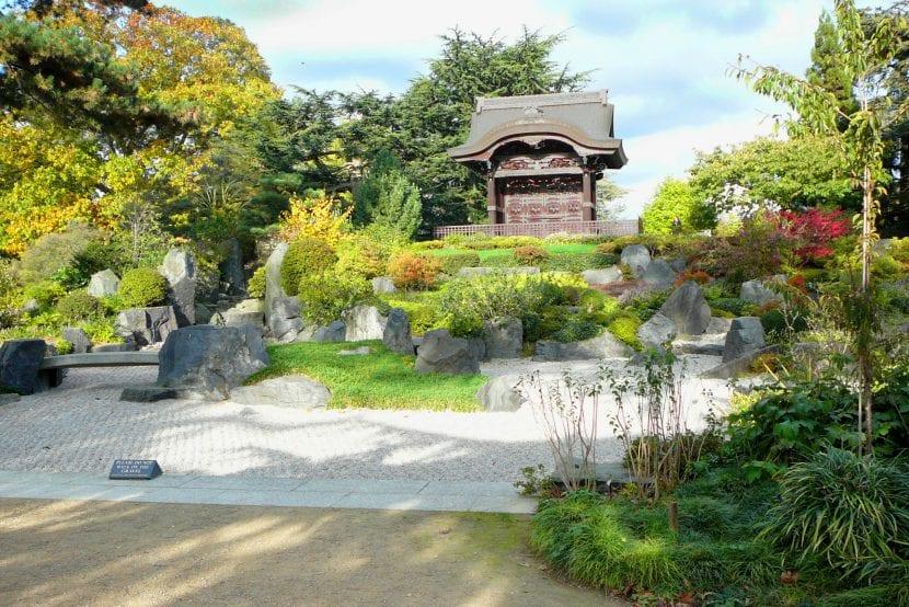 Vista del jardín oriental de Kew