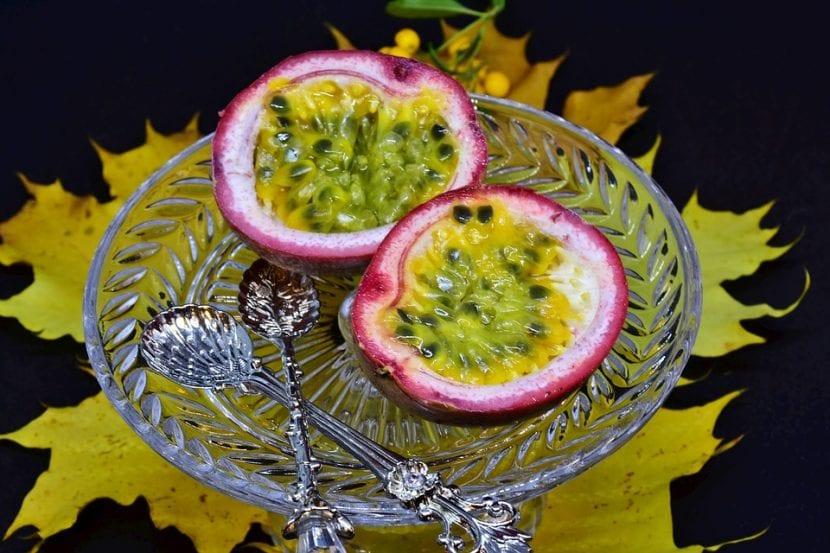 La maracuyá es un fruto comestible