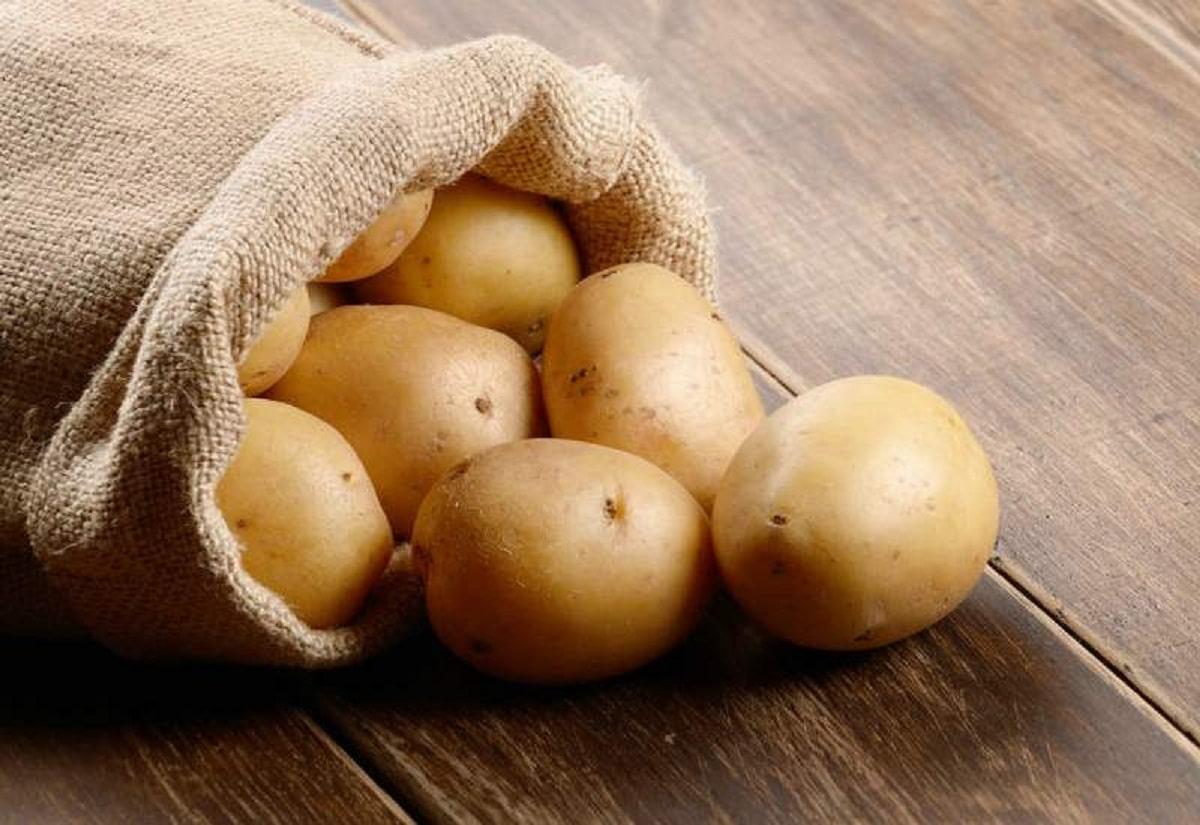saco con varias patatas