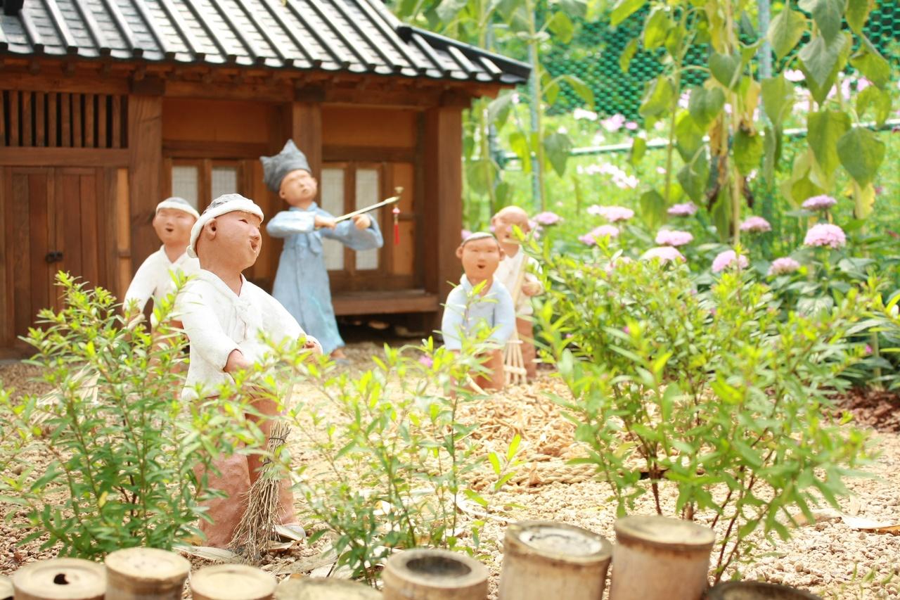 Decora tu terraza con plantas