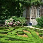Las topiarias son comunes en los jardines formales
