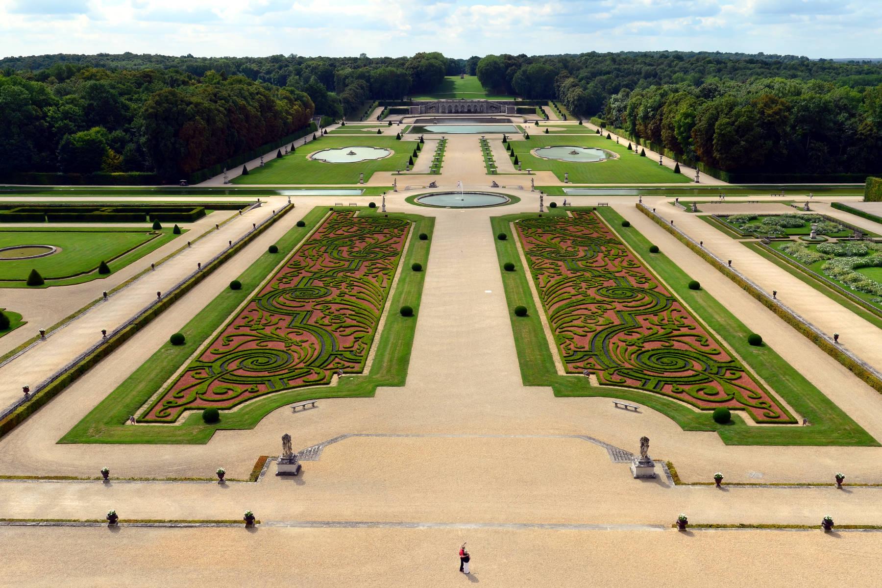 El jardín francés es un estilo de jardín formal