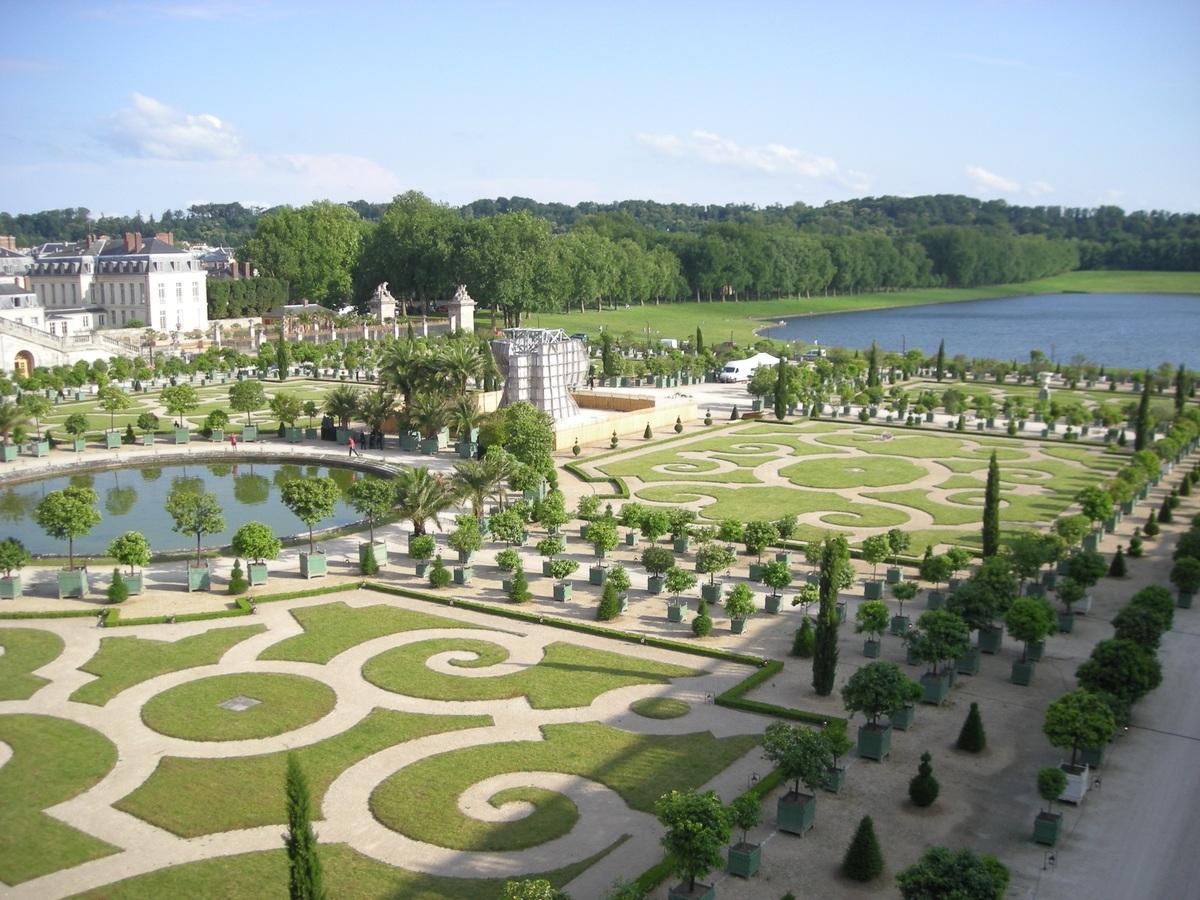 Los Jardines de Versalles son franceses