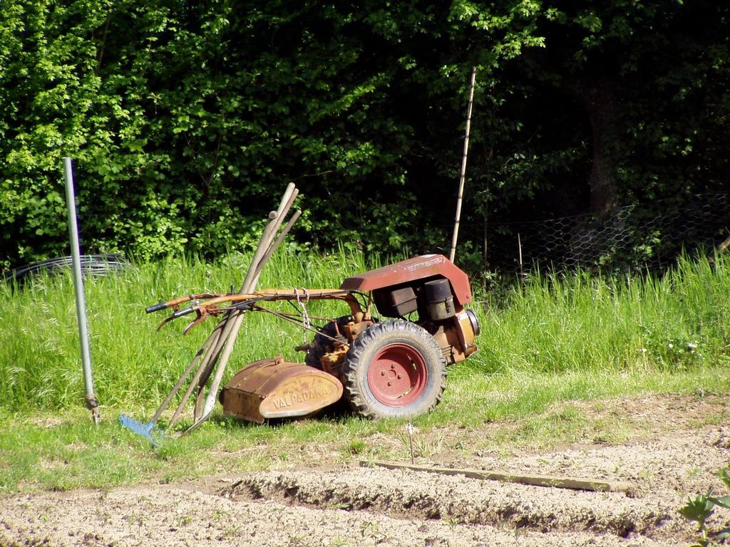 El motocultor es una herramienta de jardinería muy útil