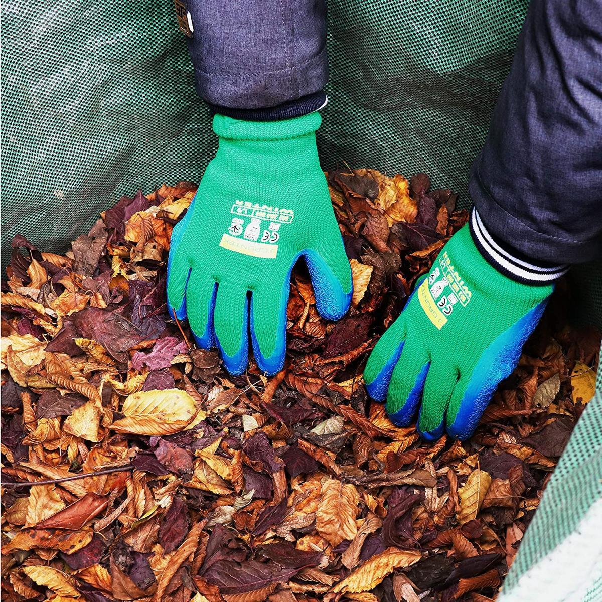 Protege tus manos con guantes de jardinería