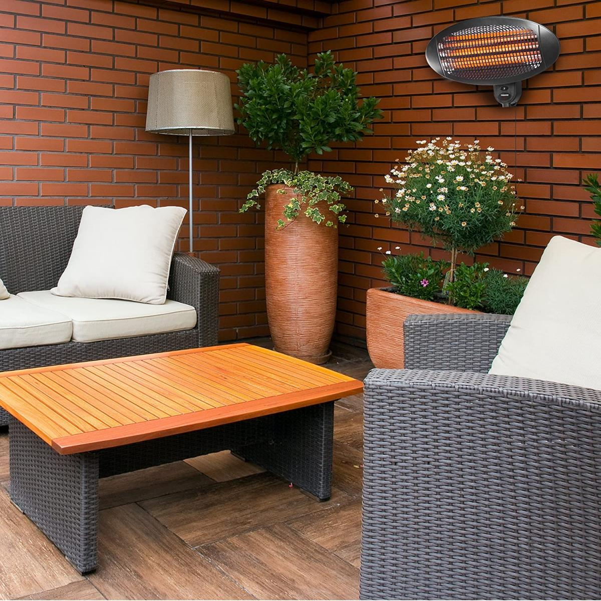 Una estufa de exterior calentará la terraza