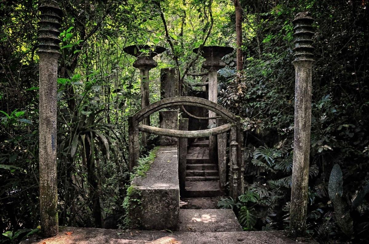 Las Pozas son unos jardines escultóricos que están en México