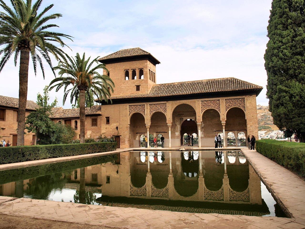 La Alhambra tiene unos de los jardines más bonitos del mundo