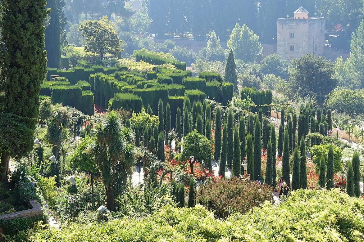 El Generalife es uno de los jardines de la Alhambra