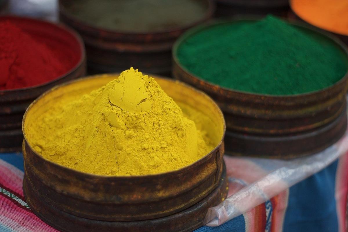 Generalmente se extraen los colorantes de plantas tintóreas mediante decocción en agua