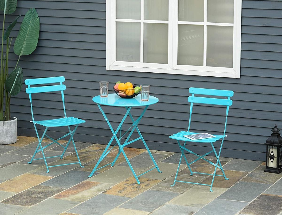 Los muebles de jardín debes ser resistentes a la intemperie