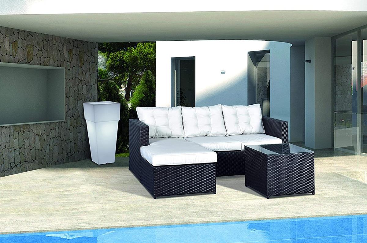 El sofá de jardín tiene que estar hecho de un material resistente a la intemperie
