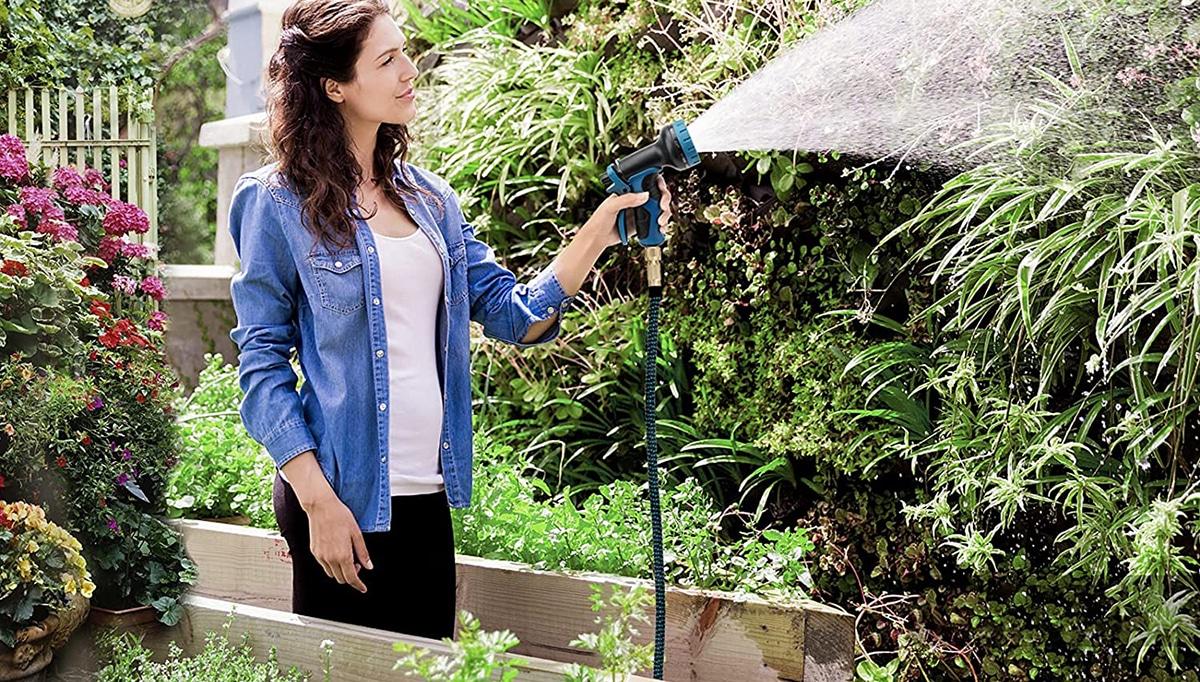La manguera expansible es más práctica que la tradicional