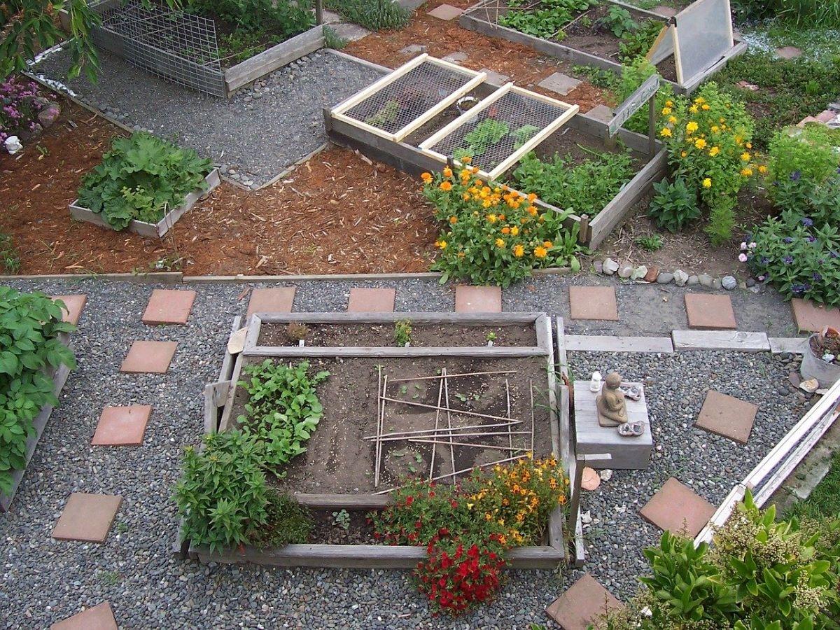 Un jardín urbano puede servir como huerto