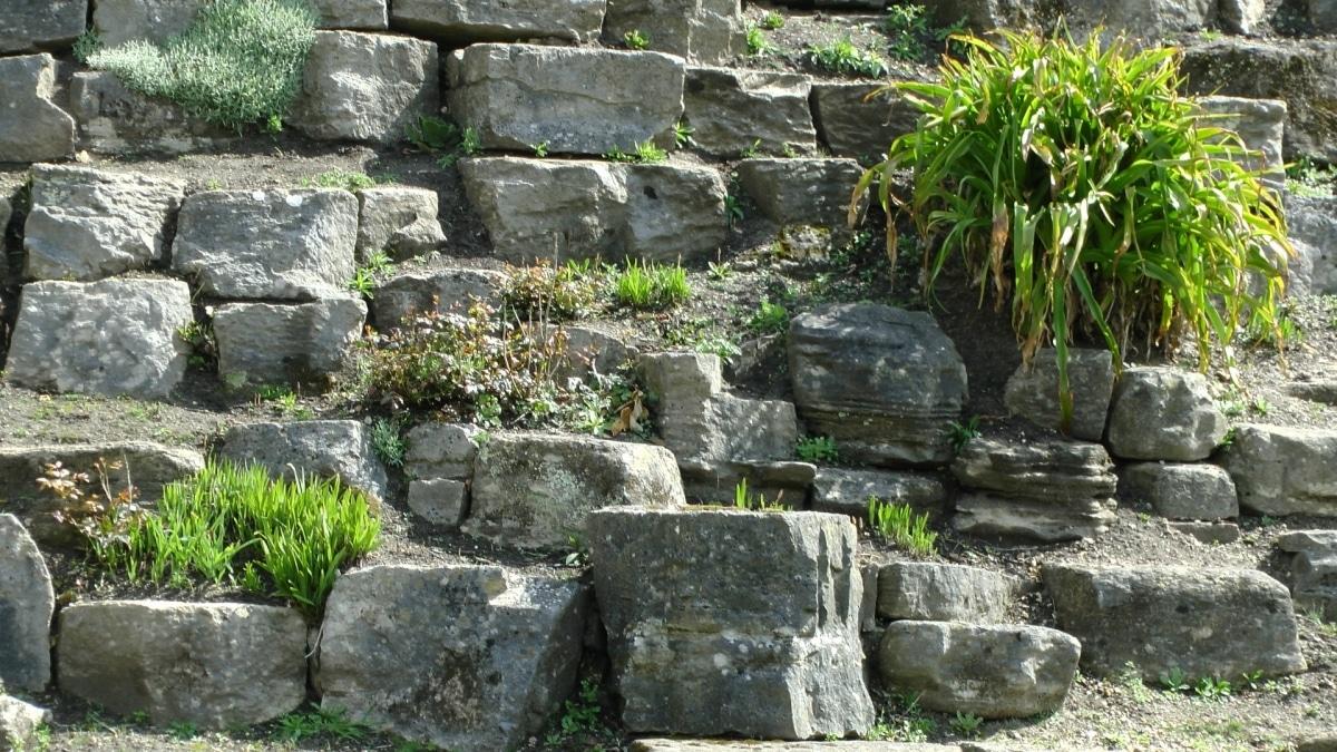 Los muros de rocas son resistentes