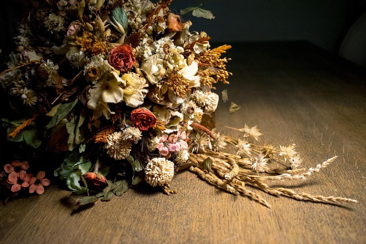 Existen varias técnicas para secar flores naturales